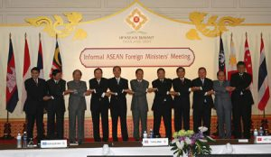 Foreign Ministers during trade talks in Hua Hin, Thailand