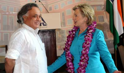 U.S. Secretary of State Clinton and Indian Minister for Forests and Environment Jairam Ramesh at the ITC Green Center in Gurgaon, India July 19, 2009. (Photo: US State Department)
