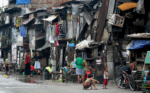 Image of a squatter's colony in urban Philippines
