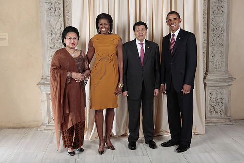 President Barack Obama and First Lady Michelle Obama pose for a photo during a reception at the Metropolitan Museum in New York with Dr. N. Hassan Wirajuda, Indonesian Minister for Foreign Affairs  and his wife, Mrs. Wirajuda, on Wednesday, September 23, 2009. (Photo: Lawrence Jackson/White House)