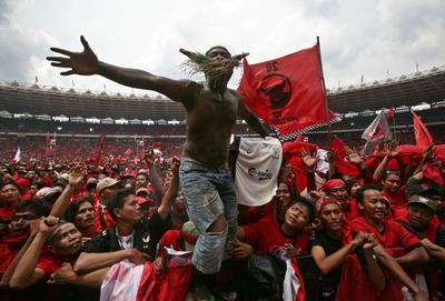 Indonesia's floating elites and democratic consolidation