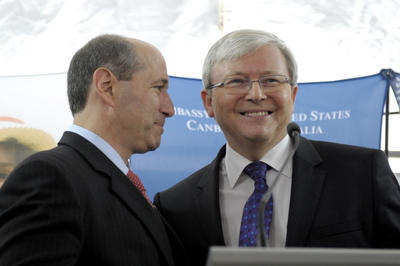Prime Minister Kevin Rudd and the US ambassador to Australia Jeffrey Bleich in Canberra on 3 July 2013. Mr Bleich hosted the United States independence day celebrations at the United States embassy. (Photo: AAP)