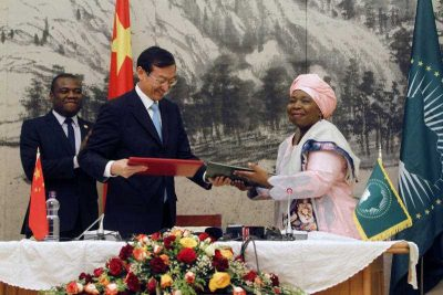 Zhang Ming, China's Vice Minister of Foreign Affairs takes part in a signing ceremony with Chair of the African Union Commission Nkosazana Dlamini Zuma after signing an agreement in Addis Ababa, Ethiopia Tuesday, Jan. 27, 2015.  (Photo: AAP)