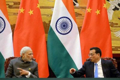 Indian Prime Minister Narendra Modi talks with Chinese Premier Li Keqiang during a signing ceremony at the Great Hall of the People in Beijing, China, 15 May 2015.  (Photo: AAP)