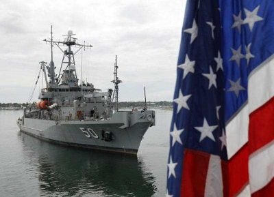 US warship SNS Safegurad is anchored at a port on the island of Palawan, western Philippines, 23 June 2015. The Philippines are holding separate naval drills with two of the country's top military allies, the United States and Japan, near the disputed South China Sea. (Photo: AAP)
