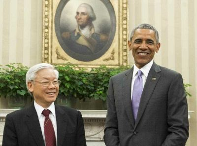 US President Barack Obama and Vietnamese General Secretary Nguyen Phu Trong meet in the Oval Office of the White House in Washington, DC, July 7, 2015. (Photo: AAP)