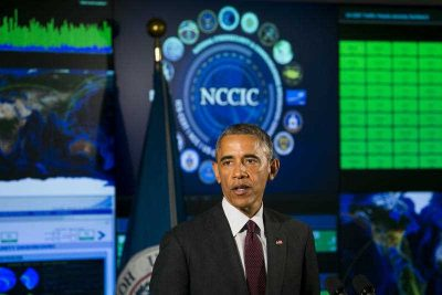 US President Barack Obama delivers remarks at the National Cybersecurity and Communications Integration Center (NCCIC) in Arlington, Virginia, USA, 13 January 2015. (Photo: AAP).