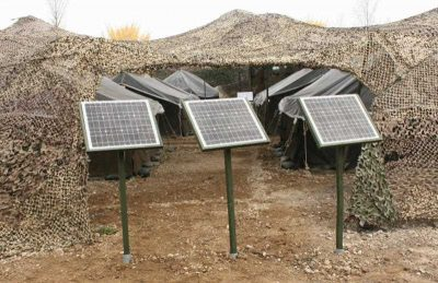 Solar cells installed at a camp site of a South Korean army unit. The Army's Third Corps has been conducting field training using green energy devices such as solar cells and light-emitting diode lamps for the first time. (Photo: AAP)