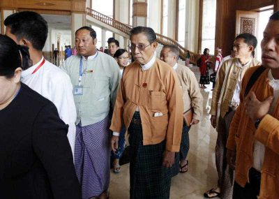Tin Oo, senior leader of Myanmar's National League for Democracy party, arrives to visit the first day of a regular session of the upper house parliament 3 February 2016, in Naypyidaw, Myanmar. (Photo: AAP).