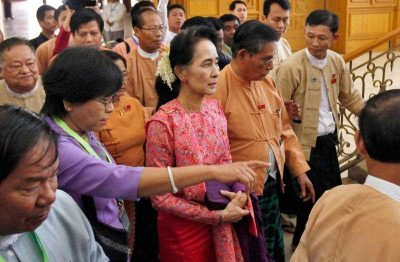 Myanmar's pro-democracy leader Aung San Suu Kyi arrives to participate in the inaugural session of Myanmar's lower house parliament in Naypyitaw, Myanmar, 1 February 2016. (Photo: AAP).