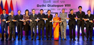 ASEAN leaders hold hands during the eighth Delhi dialogue of ASEAN in New Delhi, India. (Photo: AAP)