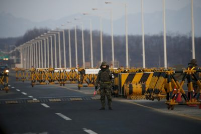 A South Korean soldier stands guard at a checkpoint on the Grand Unification Bridge, South Korea, February 11, 2016. (Photo: Reuters).