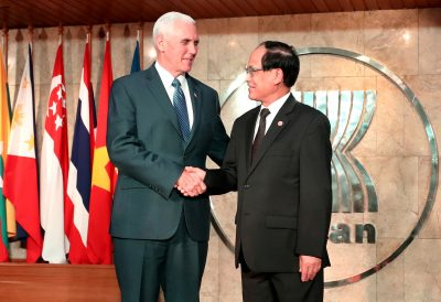 US Vice President Mike Pence is greeted by ASEAN Secretary-General Le before a meeting with ASEAN permanent representatives at the Association of Southeast Asian Nations (ASEAN) Secretariat in Jakarta, Indonesia, 20 April, 2017 (Photo: Reuters/Mast Irham/Pool).