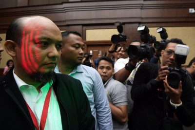 PK senior investigator Novel Baswedan is seen during the trial for the electronic ID case at the district court in Jakarta, Indonesia, 27 March 2017 (Photo: Reuters/Sigid Kurniawan).