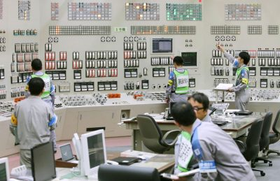 Employees of Kyushu Electric Power restart operations inside the central control room at Sendai nuclear power station in Satsumasendai, Kagoshima prefecture, Japan, 11 August 2015, in this photo released by Kyodo. Japan switched on a nuclear reactor for the first time in nearly two years on Tuesday, as Prime Minister Shinzo Abe seeks to reassure a nervous public that tougher standards mean the sector is now safe after the Fukushima disaster in 2011. Mandatory credit (Photo: Reuters/Kyodo).
