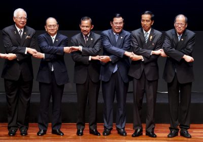 Malaysia's Prime Minister Najib Razak, Myanmar's President Thein Sein, Sultan of Brunei Hassanal Bolkiah, Cambodia's Prime Minister Hun Sen, Indonesia's President Joko Widodo and Philippines' President Benigno Aquino III pose for a photo during the opening ceremony of the 26th ASEAN Summit in Kuala Lumpur, Malaysia, 27 April 2015 (Photo: Reuters/Olivia Harris).