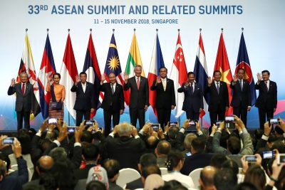 ASEAN leaders gather for a group photo during the opening ceremony of the 33rd ASEAN Summit in Singapore, 13 November 2018 (Photo: Reuters/Edgar Su).
