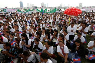 Garment workers gather at the Tonle Sap bank during a celebration for Labour Day in Phnom Penh, Cambodia 1 May 2019. (Photo: Reuters/Samrang Pring).