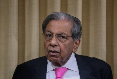 Finance Commission of India Chairman NK Singh attends a meeting at the Reserve Bank of India headquarters in Mumbai, India, 9 May 2019 (Photo: Reuters/Francis Mascarenhas).