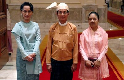 Myanmar's State Counsellor Aung San Suu Kyi (L), newly elected Myanmar President Win Myint and his wife Cho Cho pose for a photo at the presidential palace at Naypyitaw, Myanmar, 30 March 2018 (Photo: Reuters/Sai Zaw).