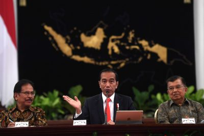 Indonesia's President Joko Widodo talks during press conference with then Vice President Jusuf Kalla and Agrarian and Spatial Planning Minister Sofyan Djalil as they announce the relocation of the country's capital city, at the Palace in Jakarta, Indonesia, 26 August, 2019 (Photo: Reuters/Antara Foto).