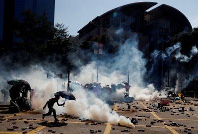 Protesters clash with police outside Hong Kong Polytechnic University (PolyU) in Hong Kong, 17 November 2019 (Photo: Reuters/Thomas Peter).