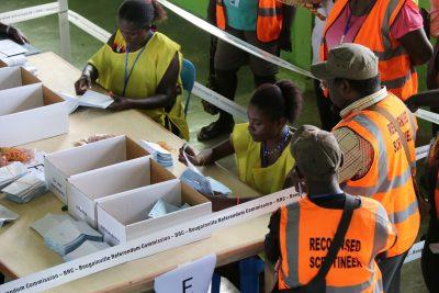 Officials count ballots in Buka,Bougainville, Papua New Guinea, 11 December 2019 (Photo: Reuters/BRC/Jeremy Miller).