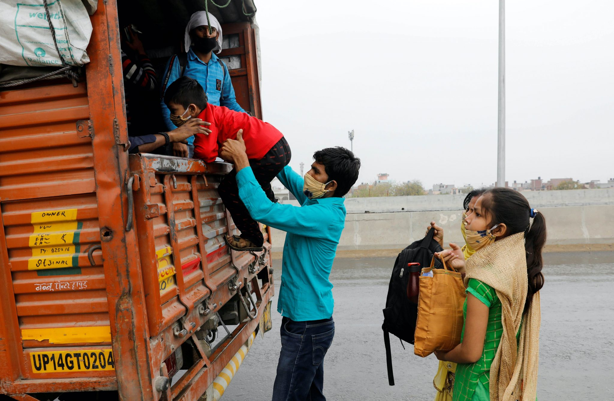 How to protect India's invisible migrant workers?
