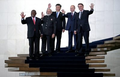 Presidents of Brasil, Jair Bolsonaro, Russia, Vladimir Putin, China, Xi Jinping, South Africa, Cyril Ramaphosa, and India's Prime Minister Narendra Modi pose for a family photo as they arrive for the BRICS summit in Brasilia, Brazil, 14 November, 2019 (Photo: Reuters/Ueslei Marcelino).