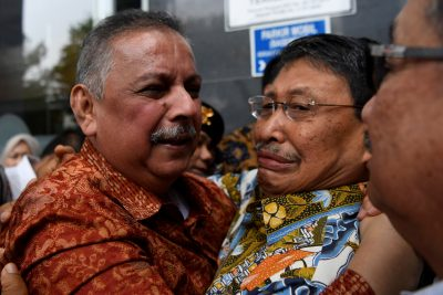 Perusahan Listrik Negara (PLN) Sofian Bashir, mantan kepala eksekutif perusahaan listrik negara Indonesia, menanggapi pada 11 November 2019 (Foto: Reuters / foto Andara) di Pengadilan Tipikor di Jakarta, Indonesia.  ).